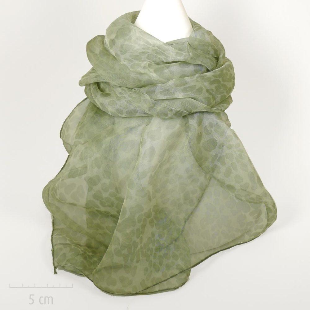Foulard rectangle, long et fin en mousseline fluide et doux. Imprimé moucheté, couleur vert pastel, fibre soie végétale viscose. Femme Zor créations Paris