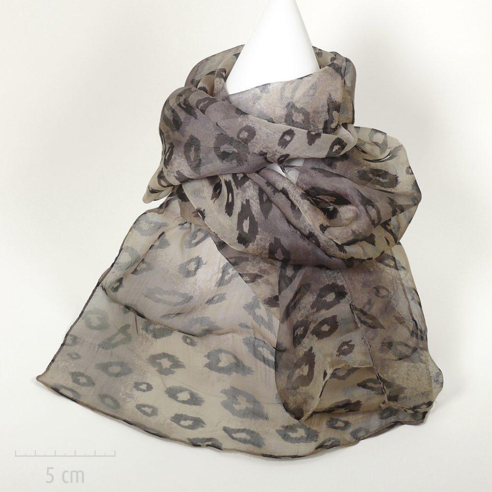 Féline: foulard en mousseline. Sensuel imprimé léopard années Saint Tropez de Bardot. Fibre soie végétale nature viscose. Femme Zor créations Paris