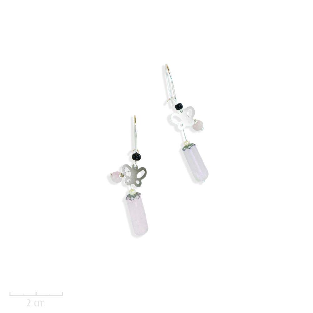 Petit papillon argent vintage en boucle d'oreille percée pendante. pierre fine quartz rose. Bijou pour jeune fille et ado. Création Sébicotane Zor