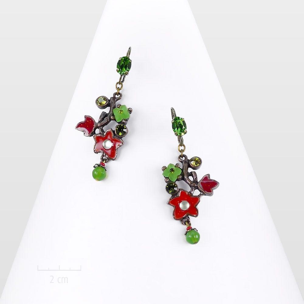 Boucle d'oreille végétale dormeuse, pendante et colorée. Bijou fleurettes et feuilles delierre, zen et naïf.Printaniers, rouge, vert. Création Zor paris