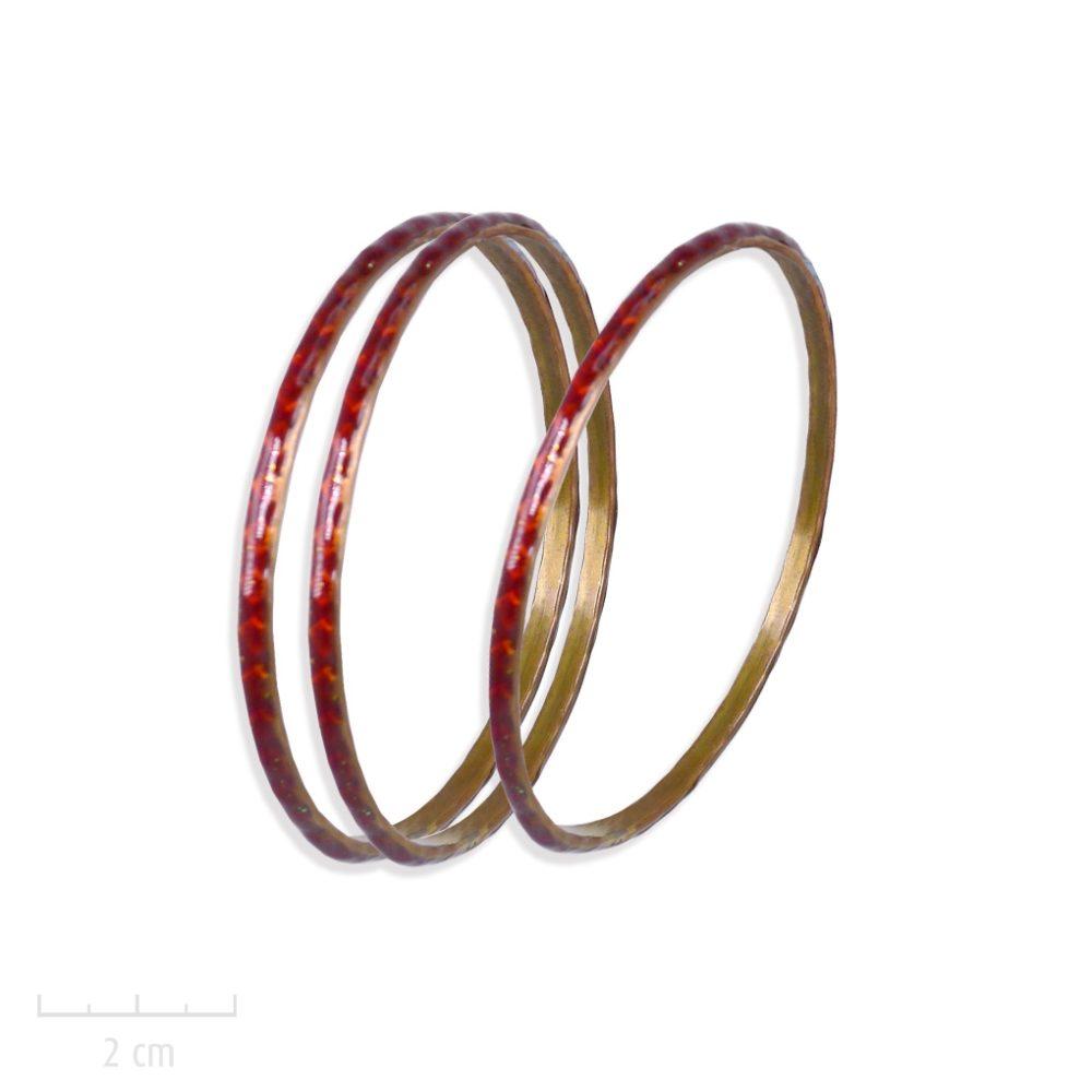 Bracelet semainier gitane, jonc rigide, gravure losange et damier, symbole du bestseller L'Arlequin Couleur rouge. Création Zor. Saga romanesque fantastique