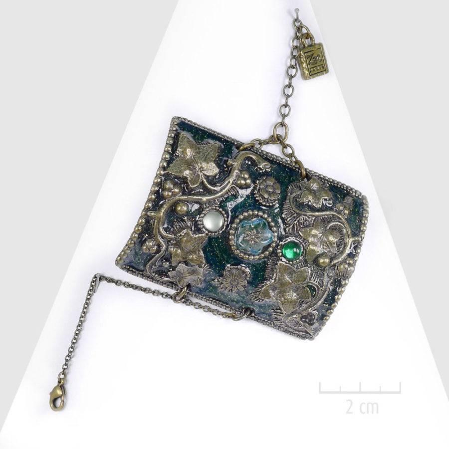 Grand bracelet bohème rétro, manchette haut de gamme baroque. Bijou sensuel: réminiscence d'orient et d'occident, feuilles bleu, vert et bronze antique. Création ZOR