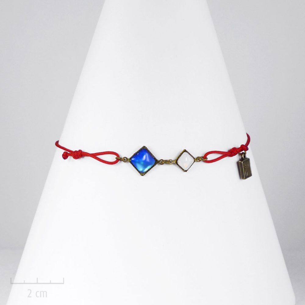 """Bracelet ENFANT, symbole d'amour et de solidarité: cristal bleu, blanc, rouge, """"Allons ensemble"""". Bijou drapeau, unisexe. Création Zor"""