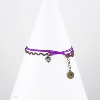 Bracelet multirang enfant avec charm coeur sur cordon violet. Bijou symbole. Petite fille 3 ans, ados, taille réglable. Création Sébicotane Zor