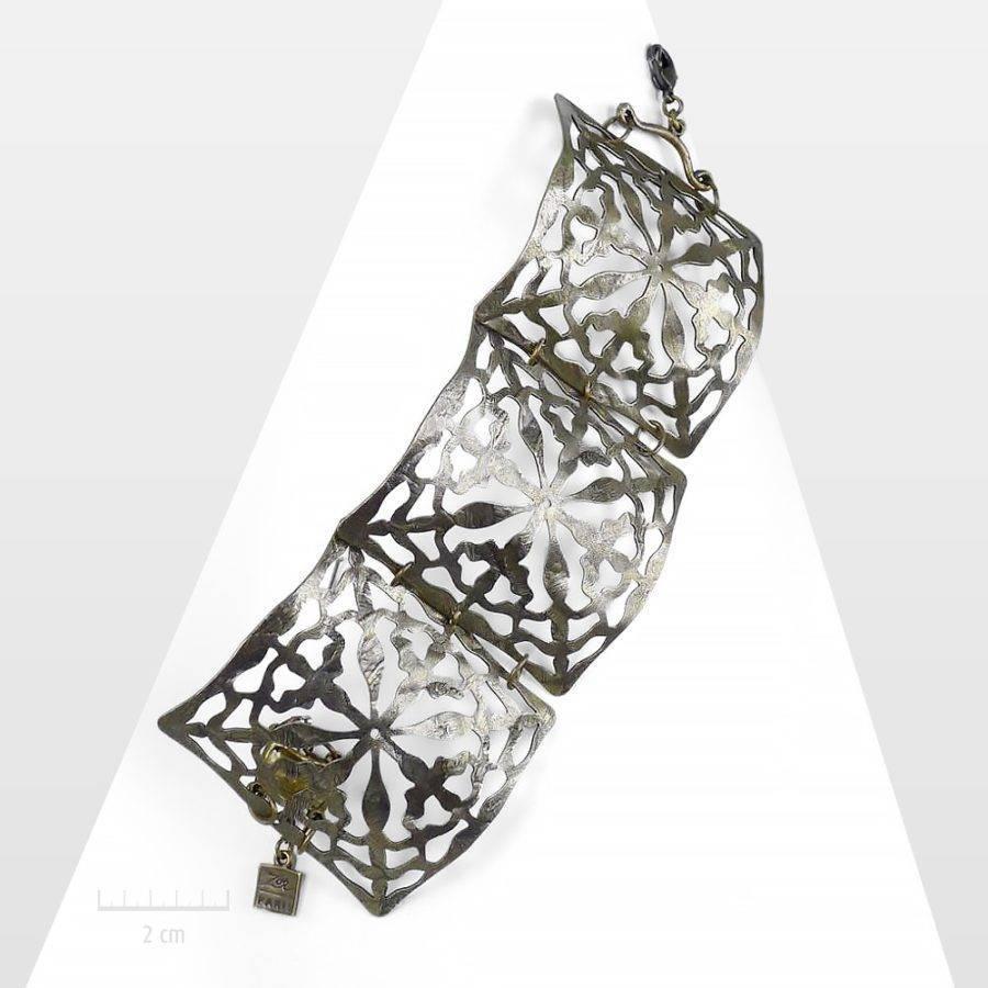 Bracelet manchette ethnique chic et sophistiqué en bronze antique ouvragé façon moucharabieh. Bijou des création Zor haute fantaisie. Made in France