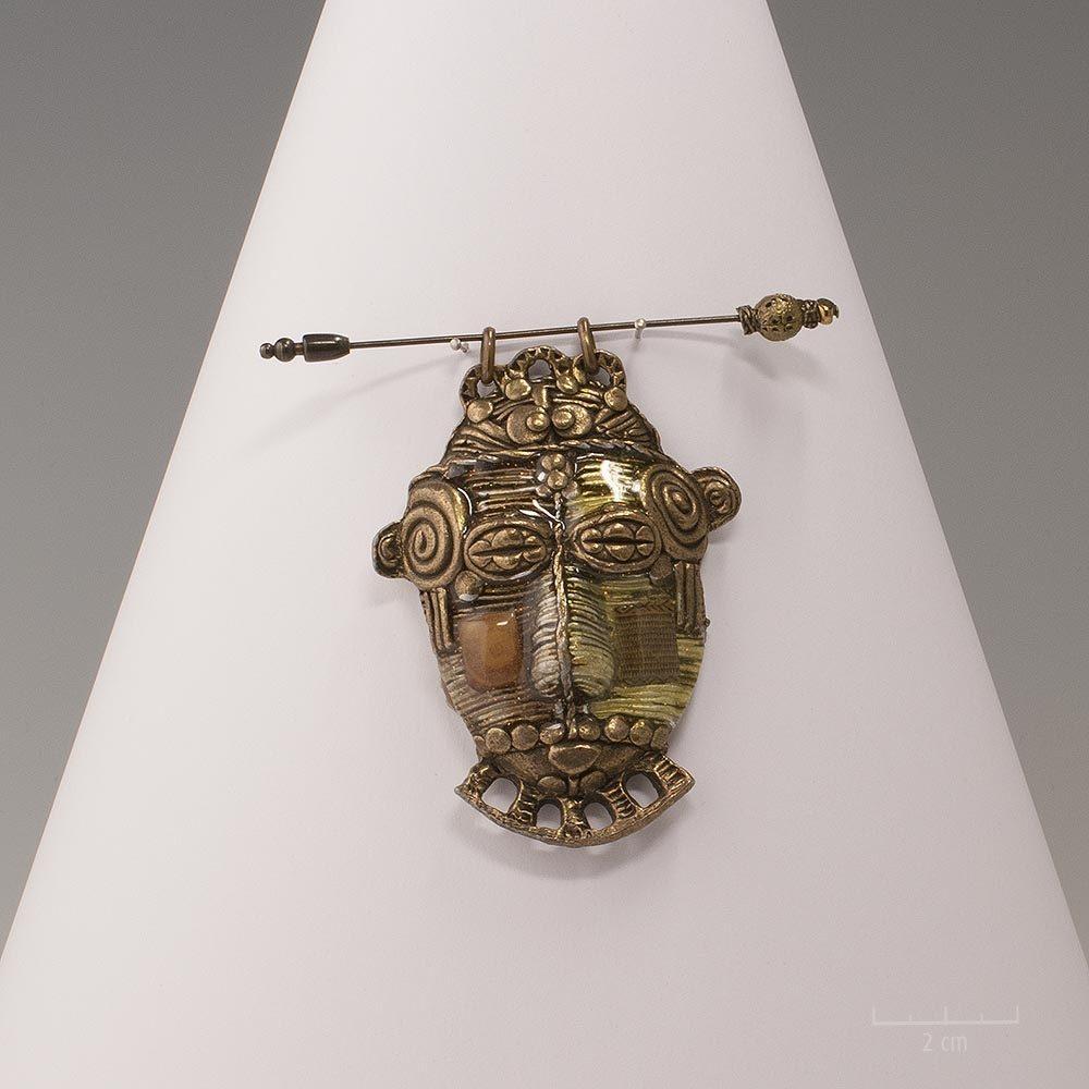 Pic broche ou pendentif ethnique, création modulable deux en un. Bijou masque pastel aux couleurs naturelles et symbolique. Email, bronze. Design Zor paris
