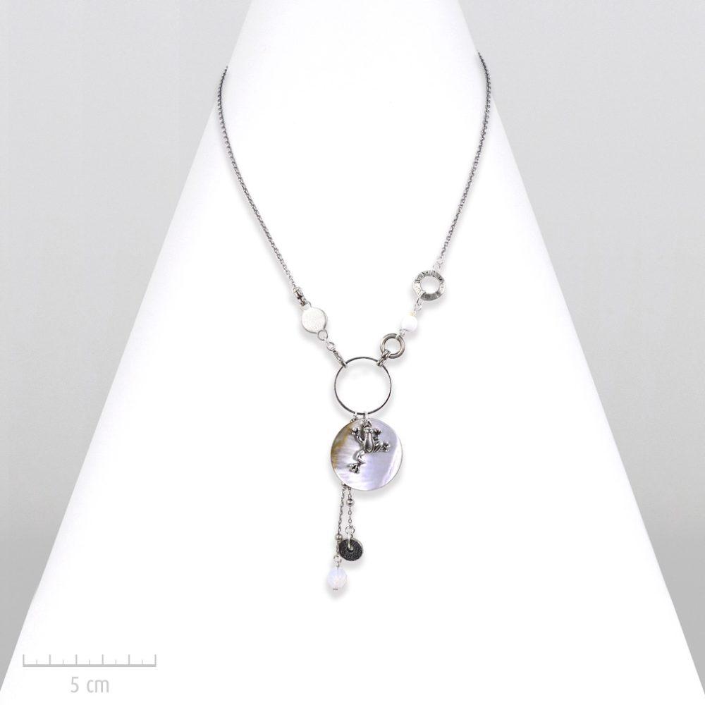 Grenouille argent vintage en collier pendentif pour enfant à partir de 5 ans. Bijou symbole opale, nacre blanc pastel nature. Création Sébicotane Zor