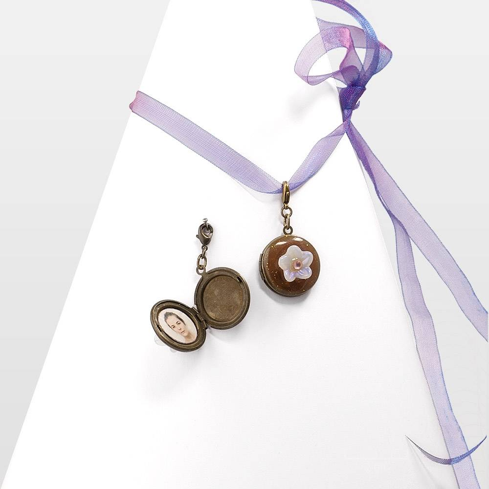 collier m daillon enfant 3 bijou fantaisie pendentif photo bijoux zor paris. Black Bedroom Furniture Sets. Home Design Ideas