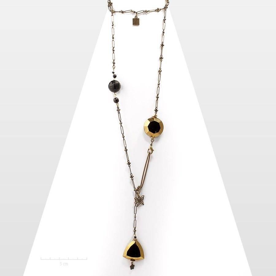Sautoir chaîne romantique de style 1900, mini papillon filigrane. Long collier fin, féminin et perle cristal noir rétro vieil or.Création Zor Paris