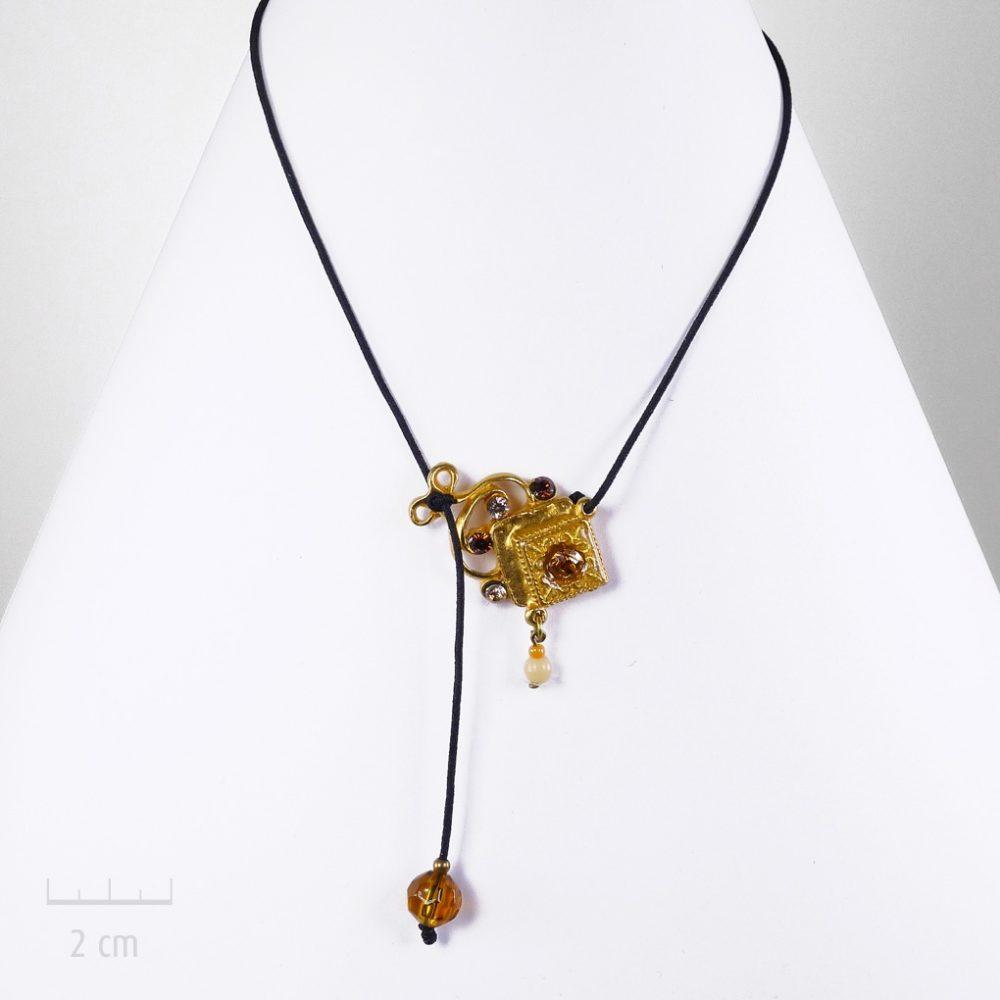 Accessoire, bijou de tête, élastique cheveux ou collier pendentif. Sensualité orientale, doré à l'or fin, perle, pour femme ou enfant. Sébicotane, Zor
