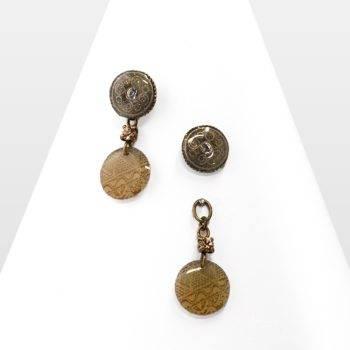 Boucle d'oreille Ethnique pendante à puce, légère et modulable. Un concept pratique et original de 2 en 1! Bijou Zor rond et discret, d'inspiration exotique vintage.