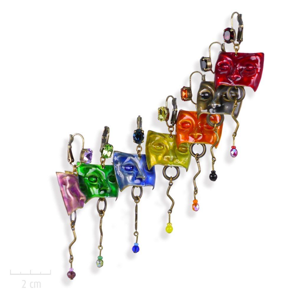 Bijou masque loup, boucle d'oreille percée en dormeuse et cristal. Emaillé de couleur Jaune, Vert, Noir, Bleu, Rouge, Violet, Orange. Création Zor pour R.Ricci