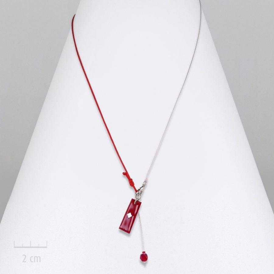 Collier réglable, pendentif et chaîne fine argent. Mini drapeau au design contemporain. Bijou couleur rouge, symbole de l'Arlequin, best-seller. Zor création
