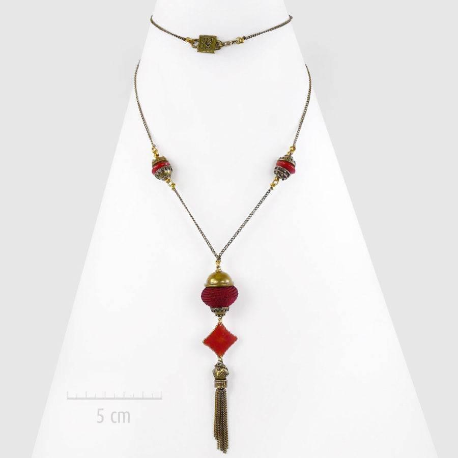 Sautoir bohème à pendentif perle grigri sur chaîne fine. Style: long collier oriental rétro baroque, rouge. UNE IDÉE de cadeau symbolique: bébé Bola. Création ZOR