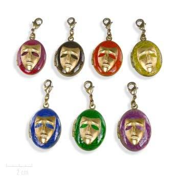 Bijou ENFANT, médaillon pour photo, masque carnaval de la nouvelle fantastique. Arlequin Rouge, orange, jaune, vert, noir, bleu, violet. Création Zor
