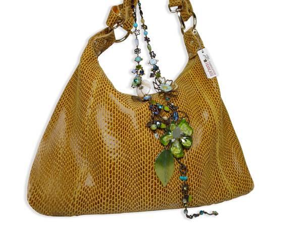 Classe des bijoux en collier, bracelet, boucle d oreille, broche, bague aafdef00395
