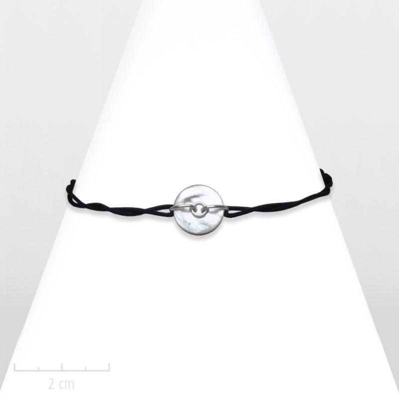 Bracelet moderne lien cordon noir et nacre fine. Symbole de pierre naturelle: contre les émotions négatives, favorise le charme. Zor et Sébicotane création