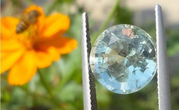 Symbolique des pierres de naissance, gemmes fines, précieuses et semi-précieuses. Symbole ésotérique, lithotherapie des bijoux Zor-Paris.jpg