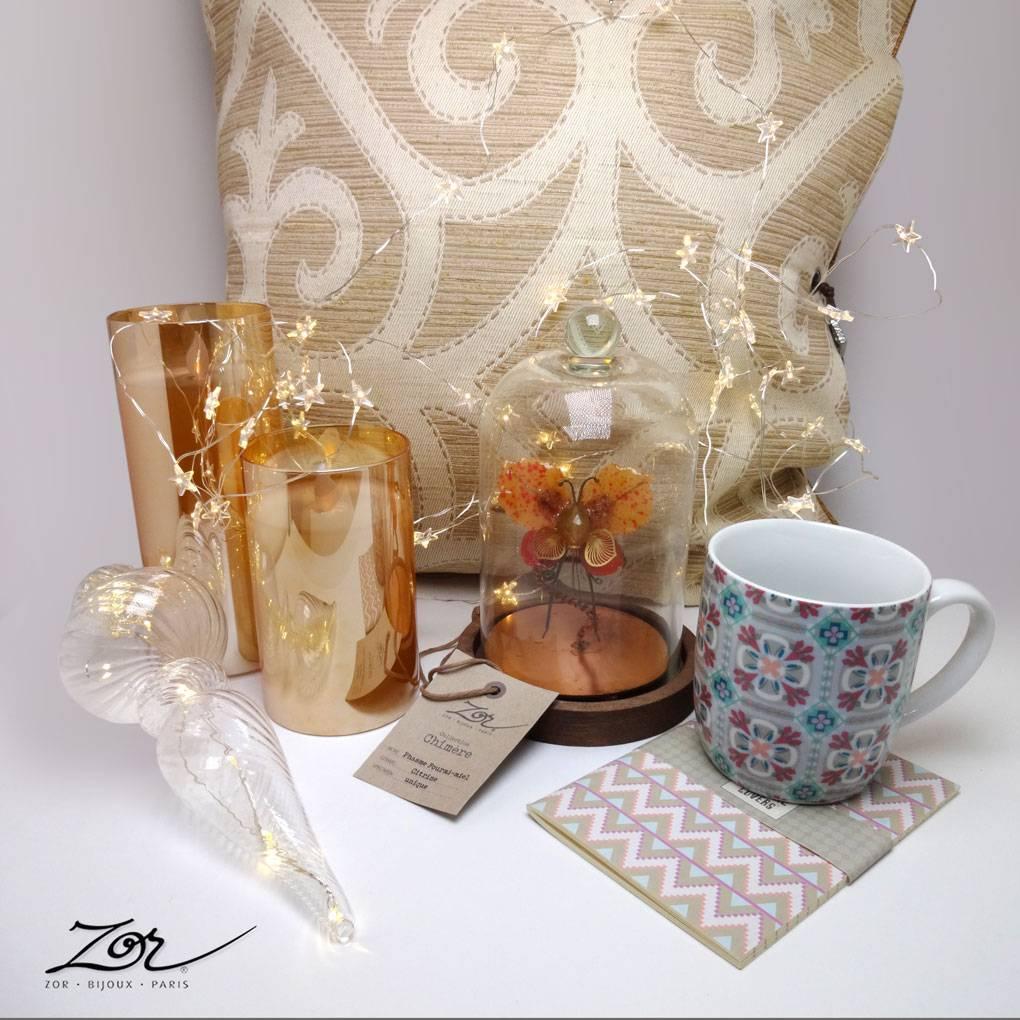 Cadeau, déco, lampe, objet d'art, ambiance de fête, bougie led, coussin fait-main. Création locale dans notre atelier Zor à Paris 2 Sentier.