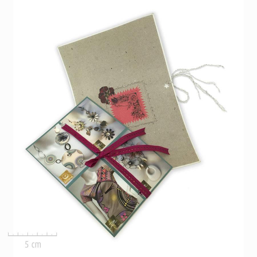 Les créations Zor bijoux emballent vos cadeaux et propose des options: message manuscrit personnalisé, carte, enveloppe ruban. Atelier Paris