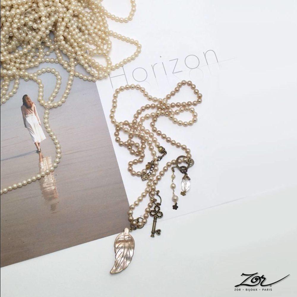 Sautoir de perle, nacre et cristal de roche. Création unique, une vidéo poétique imagination précieuse, le processus de création. Zor Bijoux Paris