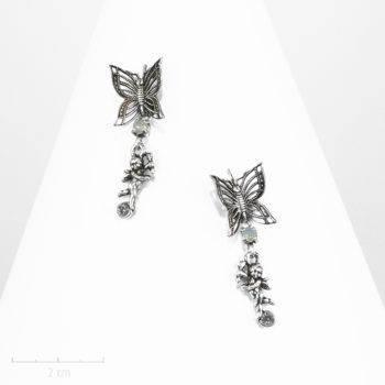 Boucle d'oreille dormeuse percée et strass. Petit ange ludique pendant, amour et papillon symbole de l'âme. Argent, création Bijou Zor Paris