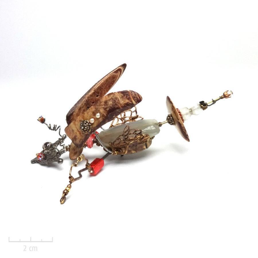 Grand insecte phasme sous cloche. Bijou unique. Broche précieuse en pierre fine quartz vert d'eau. Insecte fantaisie, Art & création haut de gamme Zor Paris 4