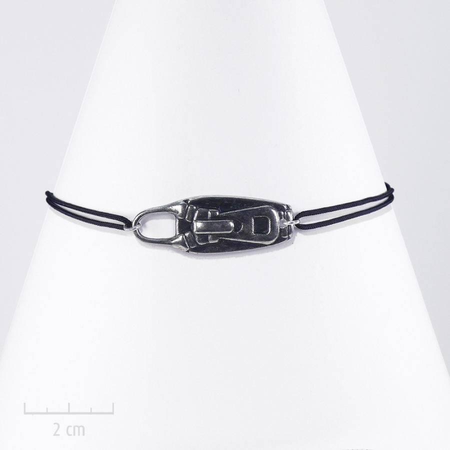 Bracelet homme cordon à nœud. Bijou zip argent sur lacet. style steampunk et rock. Création Zor fantaisie Paris