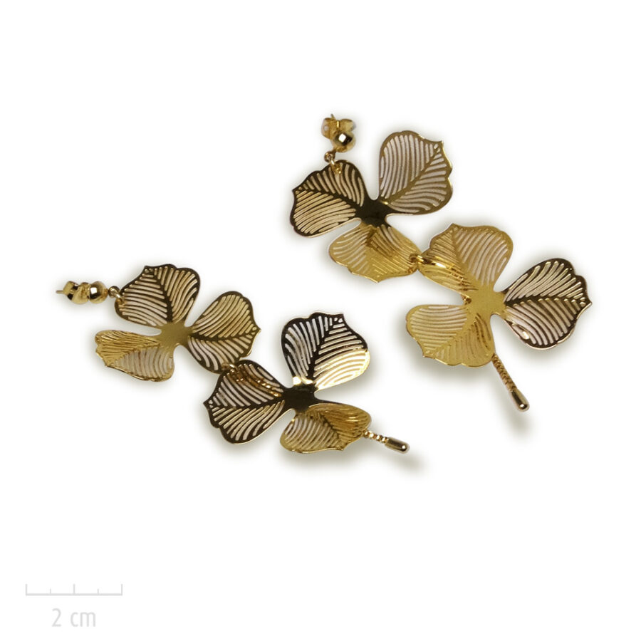 Boucle d'oreille Romantique grande et longue pour oreilles percées. Design de fleur or. Atelier de bijou de mariée. Zor Paris 2