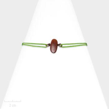 Bijou nature pour Enfant. Bracelet unisexe lacet réglable vert, cordon marin. Bois de couleur acajou, exotique et bronze. Atelier Zor Paris