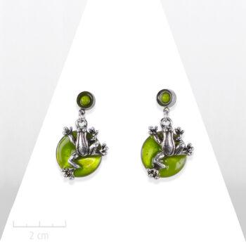Boucle d'oreille percée Enfant. Pendant nacre vert anis et argent vintage. Bijou fantaisie mini grenouille Sébicotane & Zor Paris