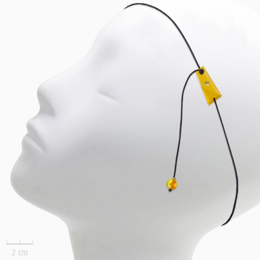 Accessoire Enfant pour cheveux: bijou de tête élastique et et pendant d'oreille. Plaque drapeau de l'Arlequin JAUNE en Fin bandeau fantaisie. TRH by Zor
