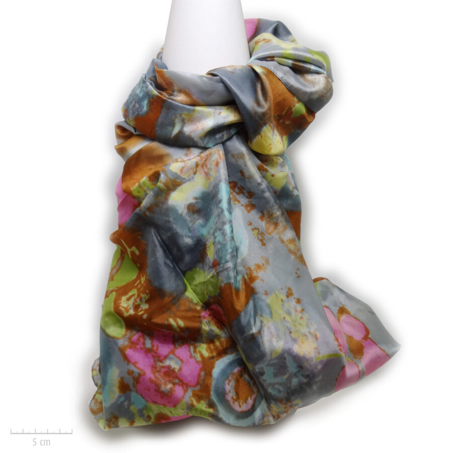 Grand foulard rectangle gris, accessoire doux, 100% soie. Étole en couleur, peinture aquarelle tableau de fleur. Zor Paris 1