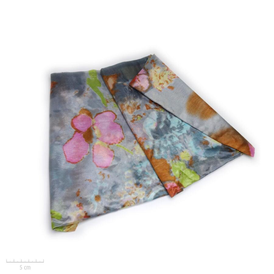 Grand foulard rectangle gris, accessoire doux, 100% soie. Étole en couleur, peinture aquarelle tableau de fleur. Zor Paris 2