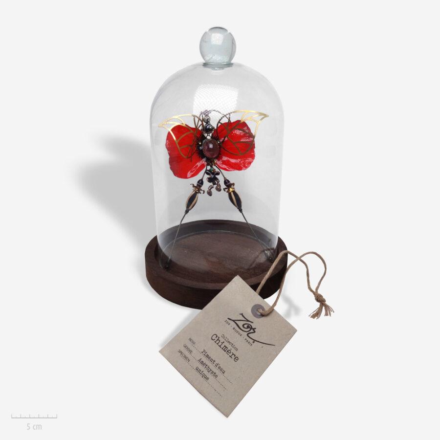 Insecte phasme Piment d'eau, un bijou précieux en pierre améthyste. Création de chimère, art et bestiaire de cabinet de curiosité. Zor bijoux Paris Aboukir