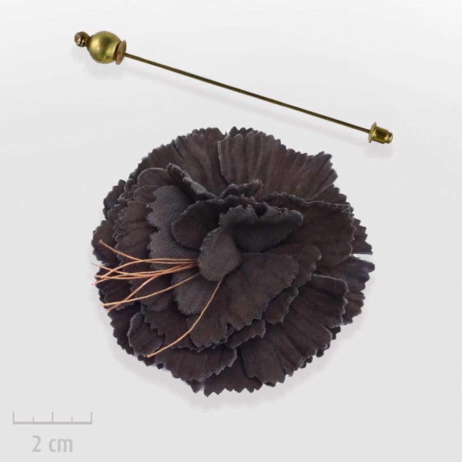 Broche Bohème de chapeau ou habit, modulable en pendentif. Grande fleur de cuir brun foncé. Bijou fabriqué en France, Zor Paris 3