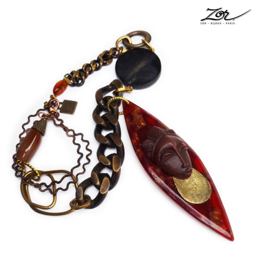 Collier ethnique, sculpture totem, pendentif à tête africaine . Bijou précieux en pierre fine, sautoir haut de gamme Zor Paris 3