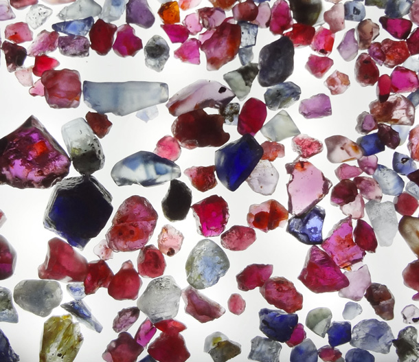 Symbolique des pierres fines precieuses. Lithotherapie pierre naturelle semi-precieuse des bijoux Zor Paris 2