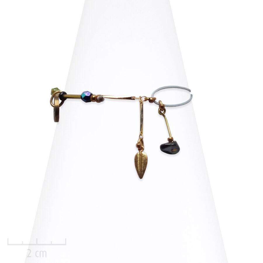 Bracelet Ethnique à cordon gris. Pierre noire hématite, tendance antique. Bijoux Zor Paris 3