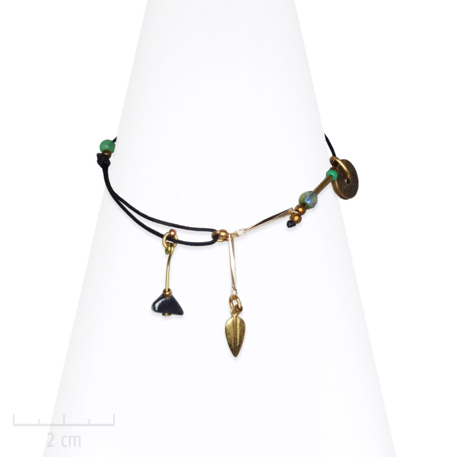Bracelet Ethnique à cordon noir. Pierre hématite antique. Bijou fantaisie Zor Paris 2